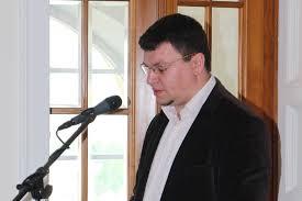 Dr. Robert Skenderović