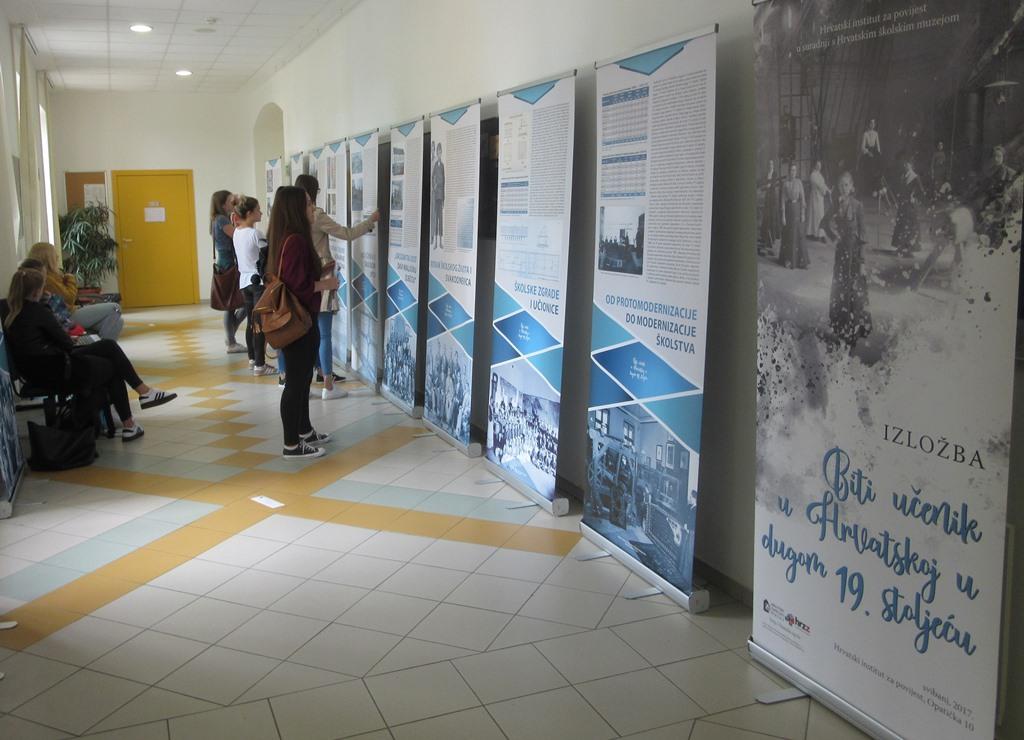 Izlozba Biti ucenik Fakultet za odgojne i obrazovane znanosti Osijek 1